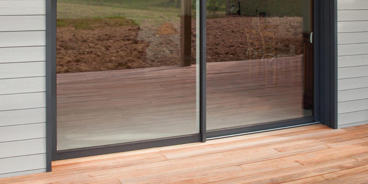 Qu'est-ce qu'un seuil de baie vitrée PMR ?