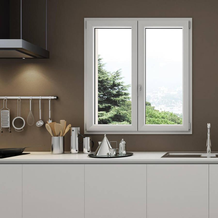 Fenêtre PVC sur mesure dans une cuisine