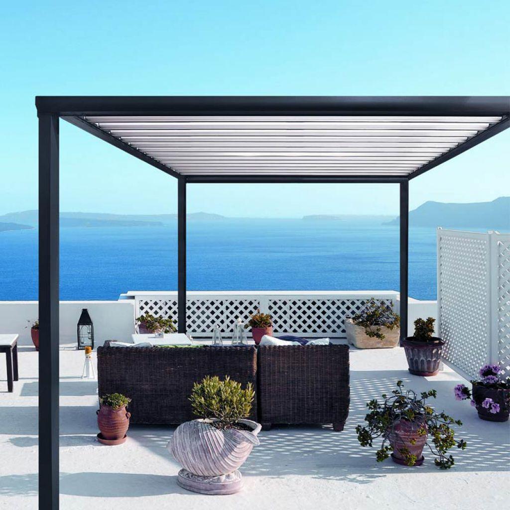 La pergola bioclimatique est un concept moderne de protection contre le soleil