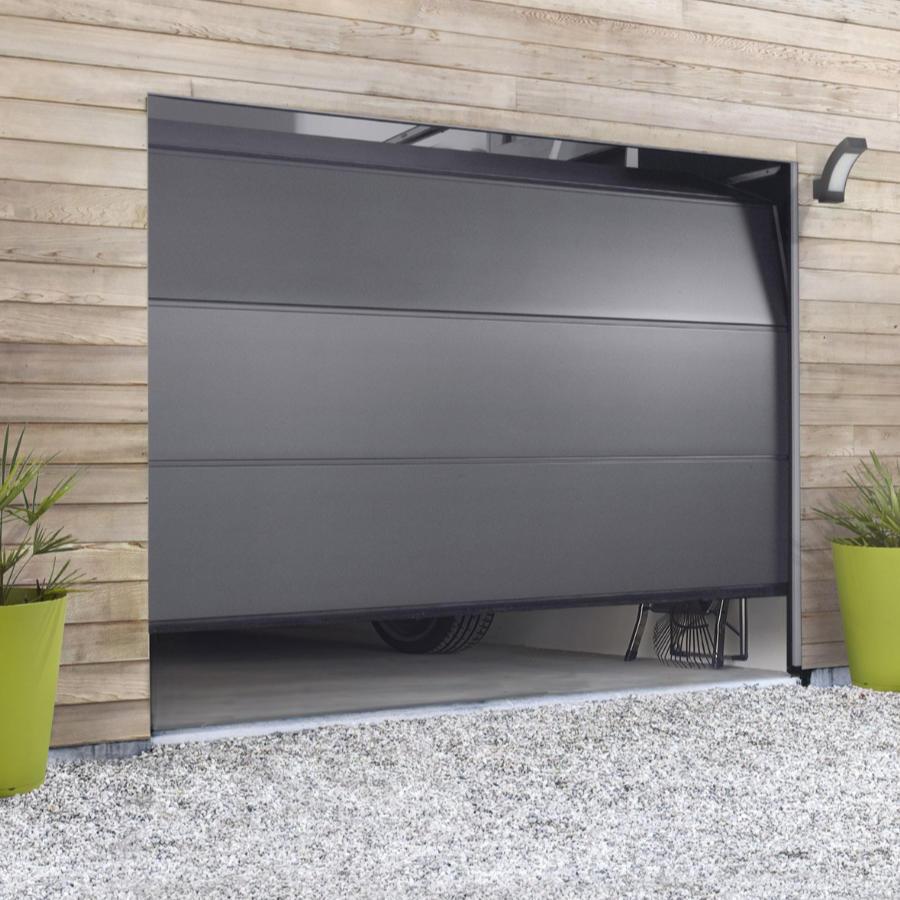 La porte de garage sur mesure est un élément à part entière de l'esthétique de votre maison