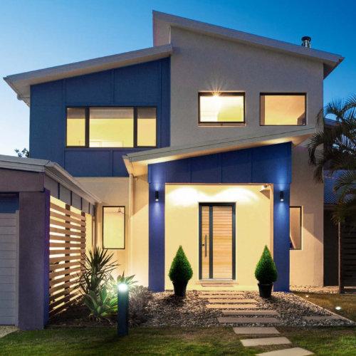 La porte d'entrée sur mesure est un élément à part entière de l'esthétique de votre maison